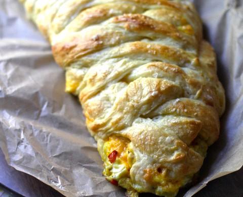 Bacon Egg & Cheese Breakfast Braid