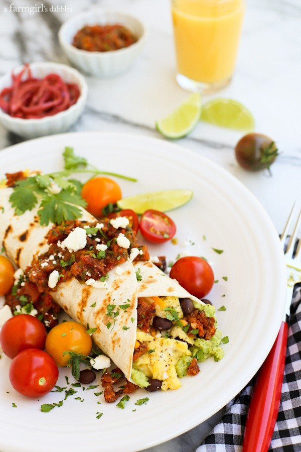 Make-Ahead Huevos Rancheros Wraps